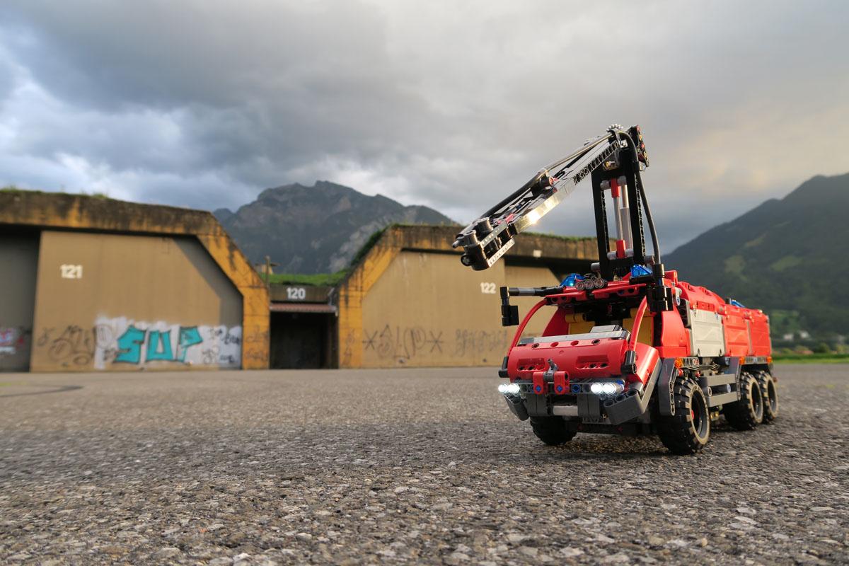 Lego Technic Airport Rescue Vehicle Moc Inspiriert Vom Set 42068